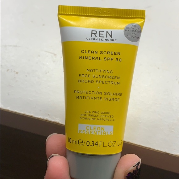 5 for $20😍REN Clean Screen Mineral SPF 30 Mini